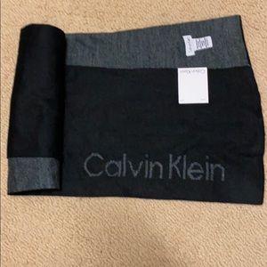 Calvin Klein reversible scarf